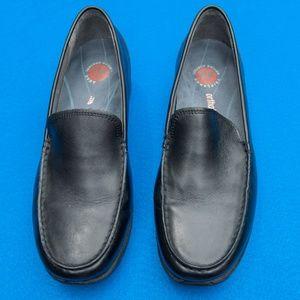Black slide-on Rockports size 8W